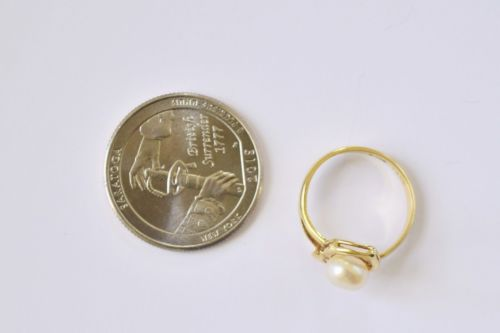 14K Yellow Gold Pearl woman ring - size 5.25 - R140