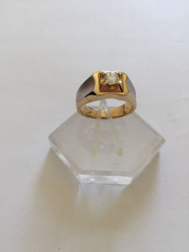 14K Yellow Gold Cubic zirconia Ring size 8.25 - R71