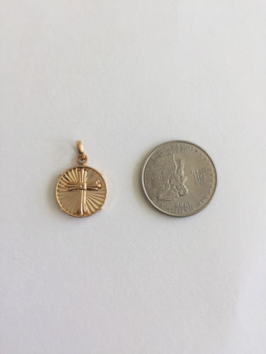 Small 14K Yellow Gold Cross Pendant - P424