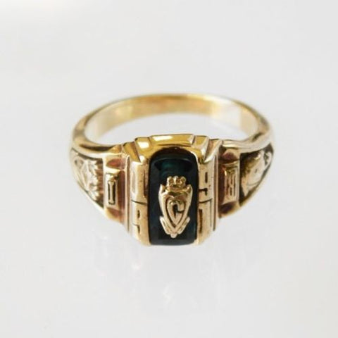 10K Gold ring size 5.75 - R214