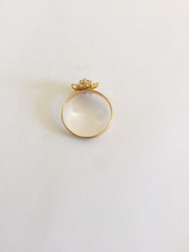 14K Yellow Gold Cubic zirconia ladies ring - size 5.75 - R123