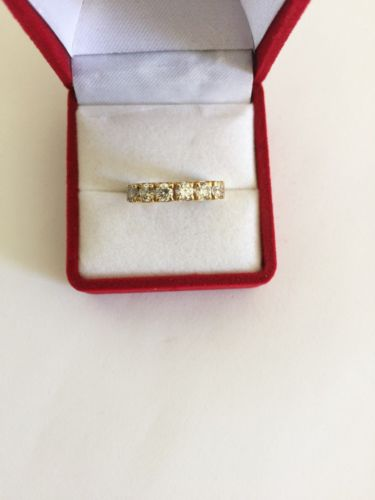 14K Yellow Gold Cubic zirconia ladies ring - size 6.5 - R124