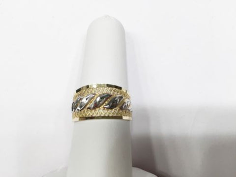 14K Gold Lady or girl Ring - size 8 - R6