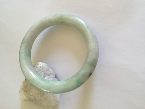 White and light green Round Jade Bangle size 59 mm - J86
