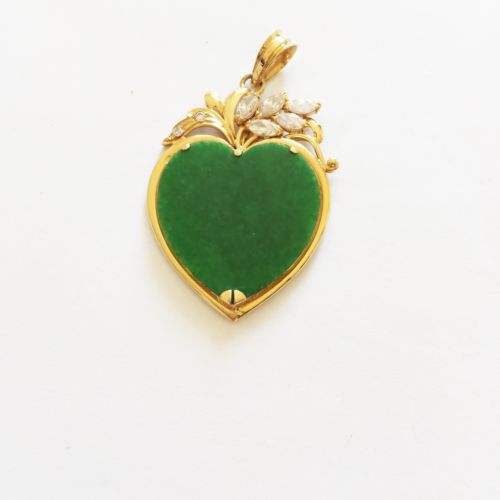 14K Yellow Gold Heart Shaped Green Jade Pendant - P227