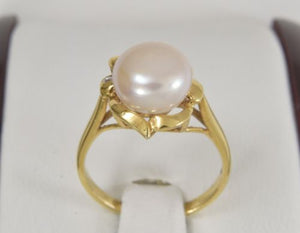 14K Yellow Gold Pearl Women Ring - size 5 - R222