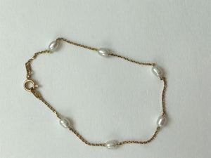 Small pearl bracelet in 14K Gold - 7 inches