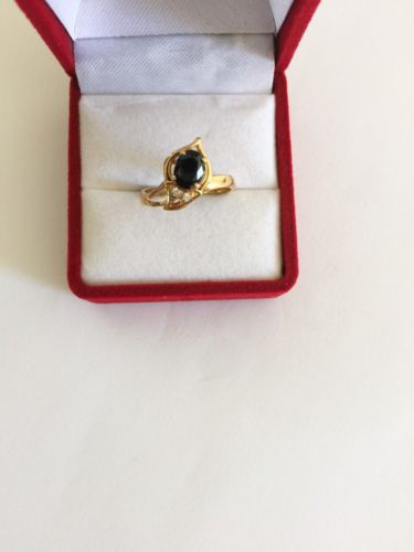 14K Yellow Gold Ladies Sapphire ring - size 6 - R121
