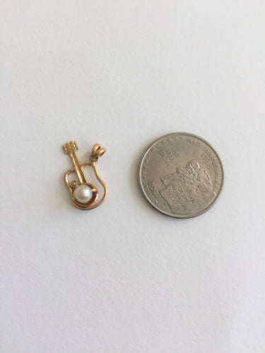 Small 14K Yellow Gold Guitar Pendant P420 -