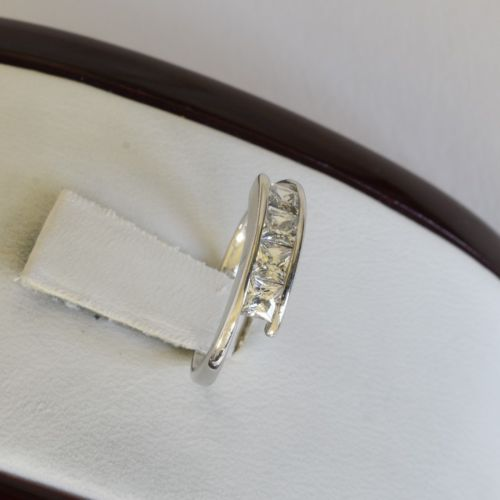 10K Gold CZ ring - size 4.75.- Rp12 - Cute ring for girl