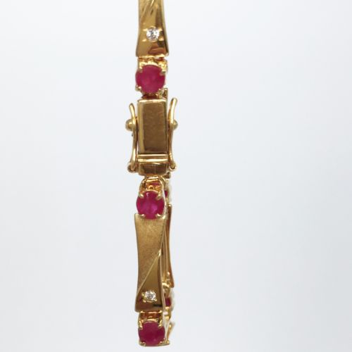 14K Yellow Gold small rubies Bracelet 6.25 inches - B65