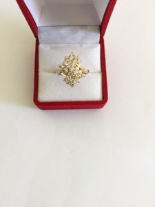 14K Yellow Gold Cubic zirconia ladies ring - size 5.5 - R106