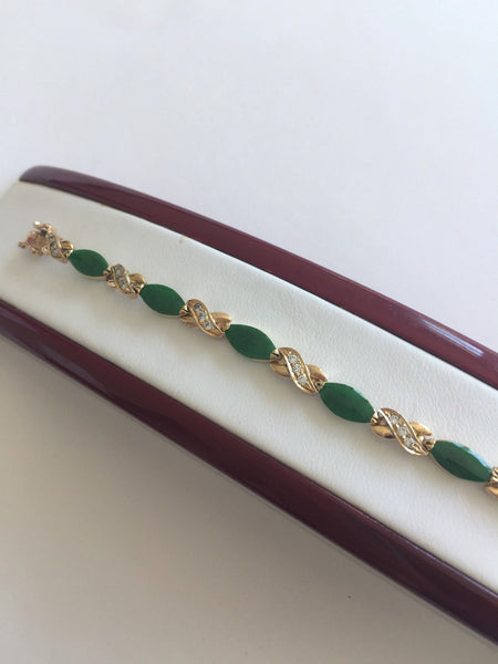 14K Yellow Gold Ladies Jade bracelet - 6.5 inches - B148