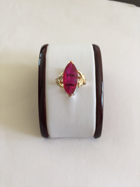 14K Solid Yellow Gold Red Gemstone Ring for Women - size 8.5 - R267