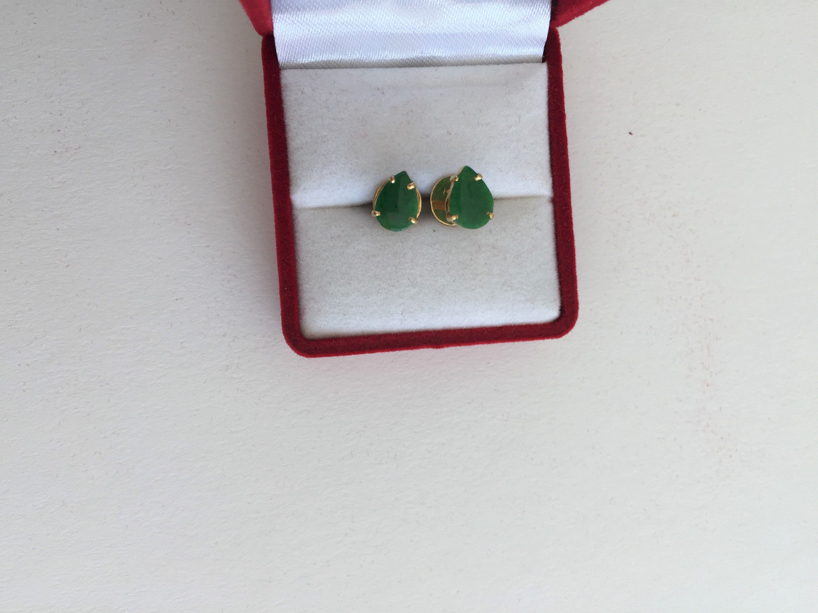 Small 14K Yellow Gold Oval Jade Earrings - E124