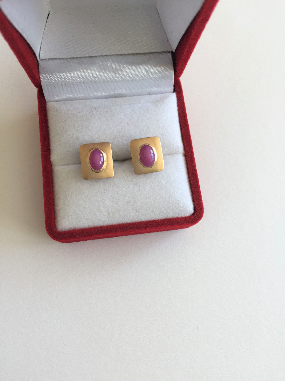 Small 14K Yellow Gold Pink Star Earrings - E128