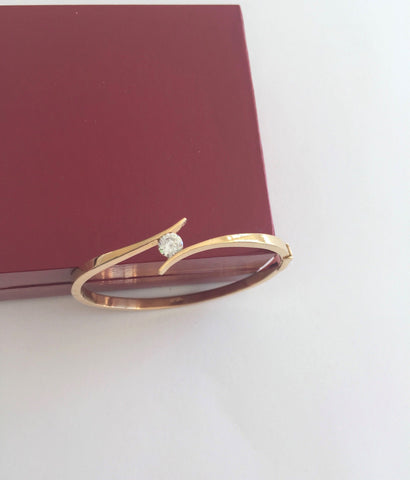 Small 14K Yellow Gold bracelet Bangle size 48 x 43 mm - B151