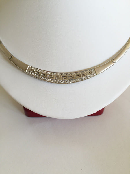 10K White Gold Necklace 5 inches (diameter) - C129