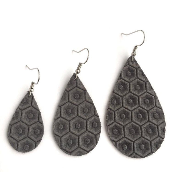 Honeycomb Ash Gray Earrings