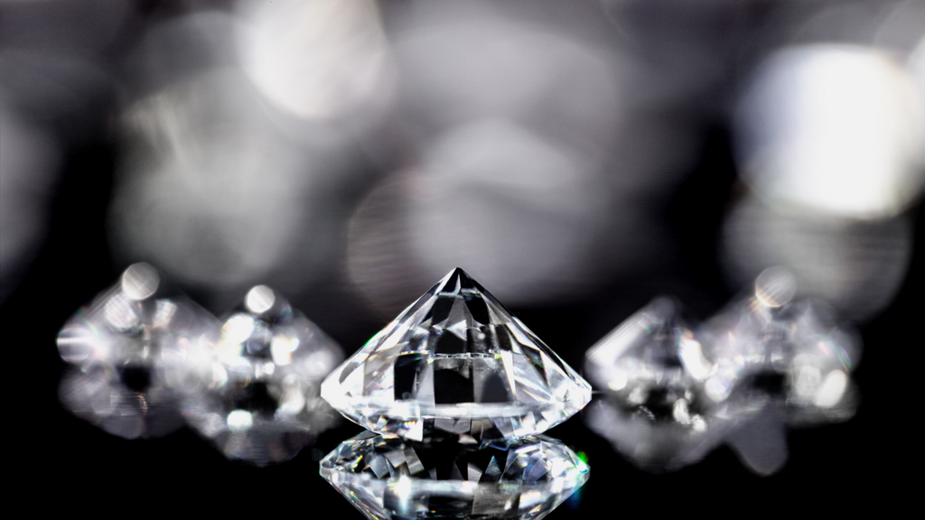 diamonds with different diamond clarity