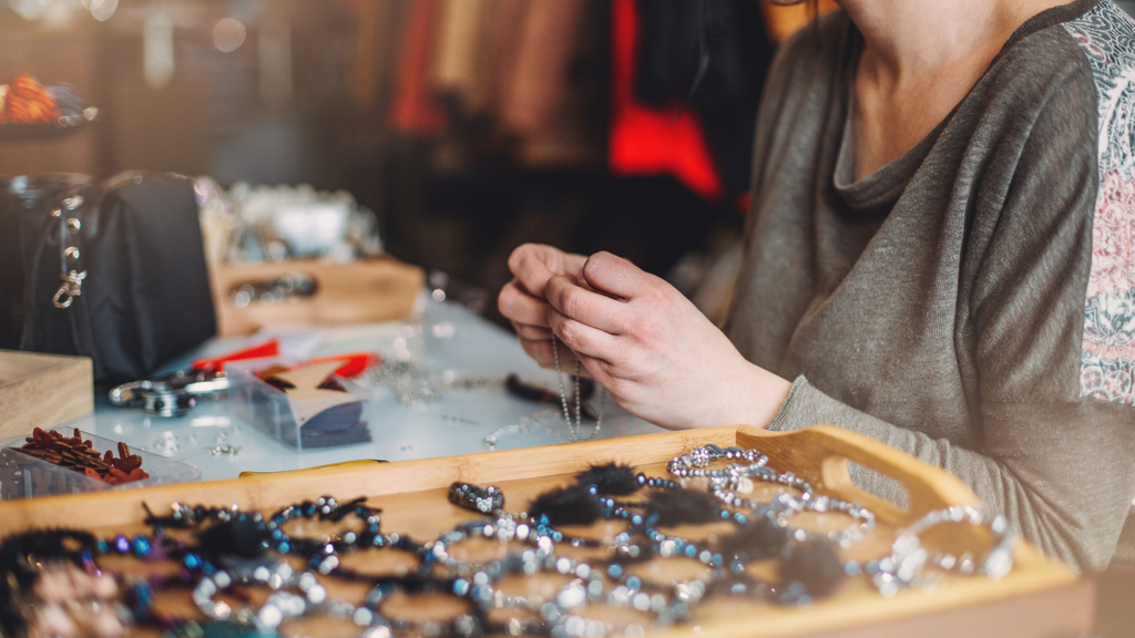 artisan and artisan handcrafted jewelries