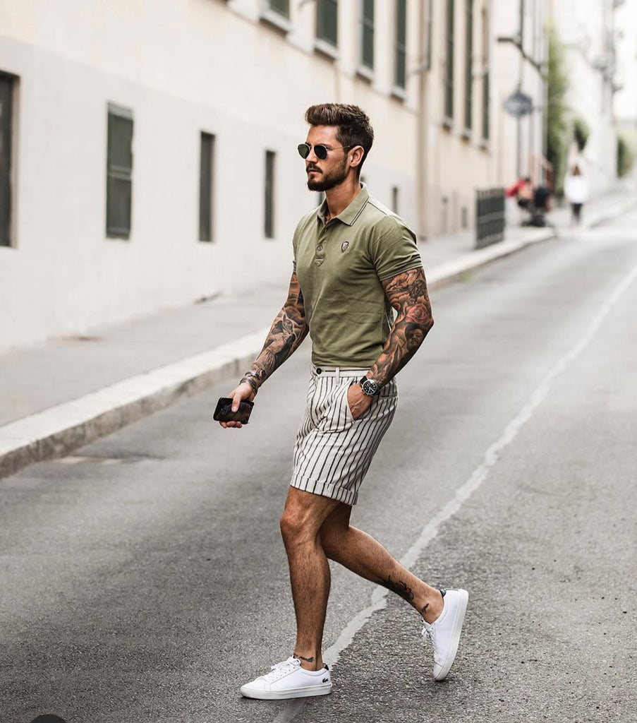 White sneakers for men's summer shoes
