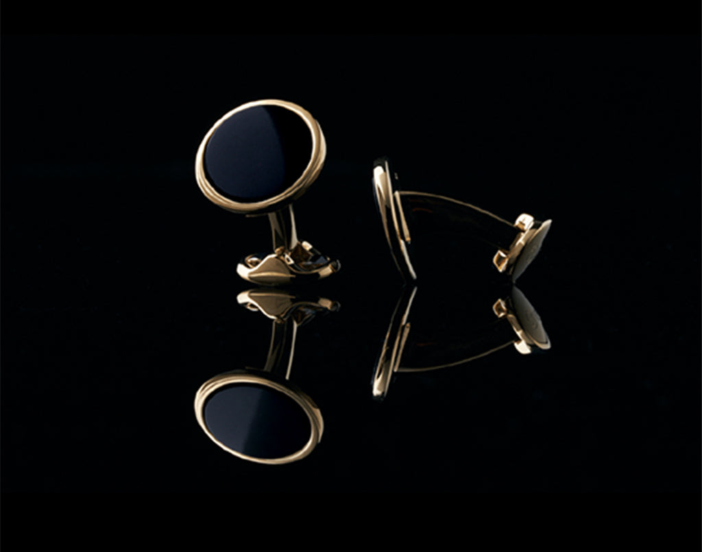 mens cufflinks for best man gifts.Product picture of Azuro classic mens cufflinks.The classic mens cufflinks are best gifts for men.cufflinks are great men's gifts ideas to consider.