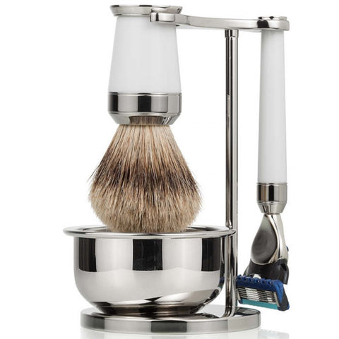 luxury brand of shaving set as the third option of 8 unique new year gifts ideas for your boyfriend the  best badger fusion razor and the ideal new year gift for him.