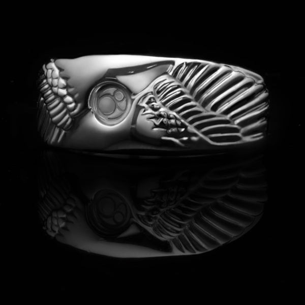 Angel Wing Ring is an iconic ring collection in Azuro Republic. Handcrafted over 70 hours on solid silver creates a one-of-a-kind men's Wing Ring. Angel Wing Ring can mix with our classic snake chain into an Angel Wing Necklace. If you are looking for a handcrafted Angel Wing Ring of top quality, you should not miss Azuro Republic men's Ring & Necklace collection.