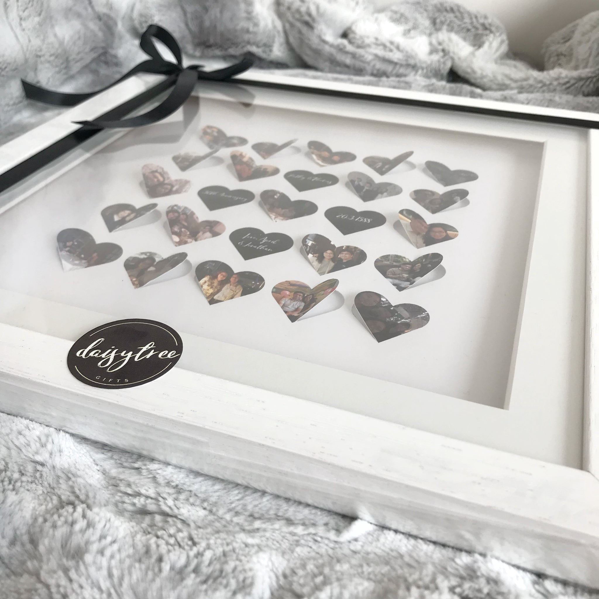 Personalised heart family frame - Large 25 hearts