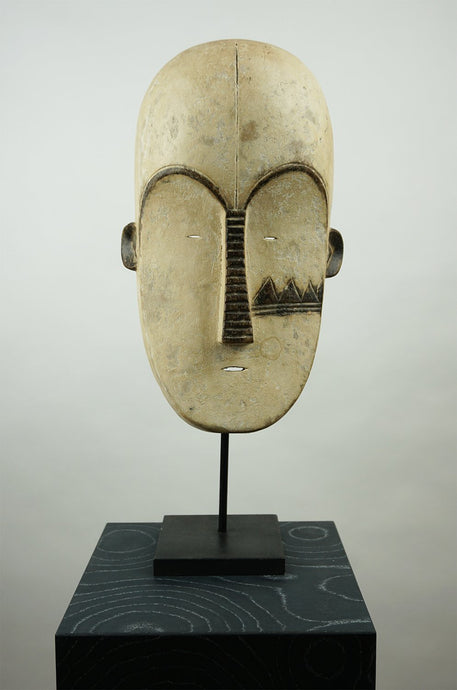 handmade wooden mask on a stand - BB InteriorO-livehome decor