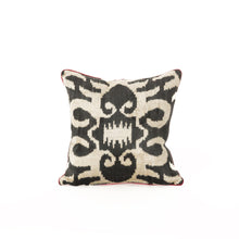BB Interior Handmade Cushion Velvet Black Red