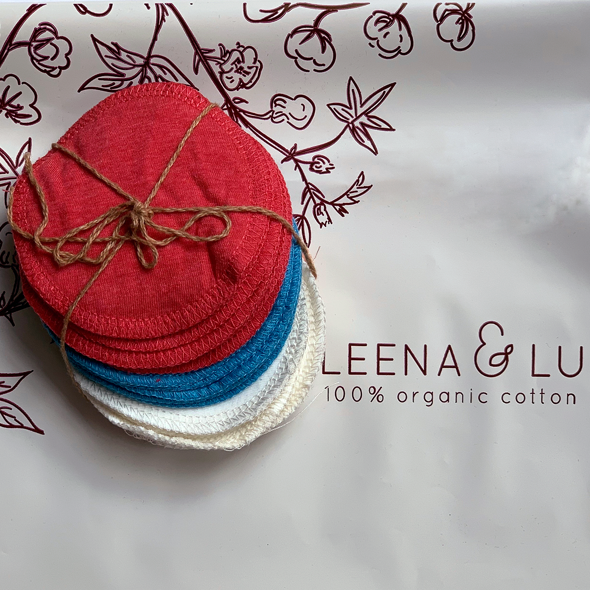 Leena & Lu:Reusable makeup remover,
