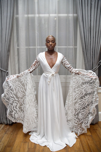 N A A D I A - Luxury Bridal Robe