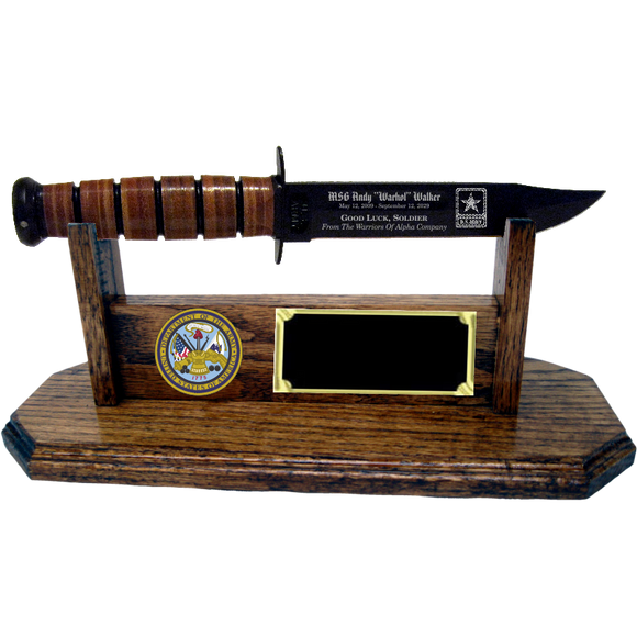 AR08 - ARMY STAND-UP - HONEY OAK (KA-BAR not included)