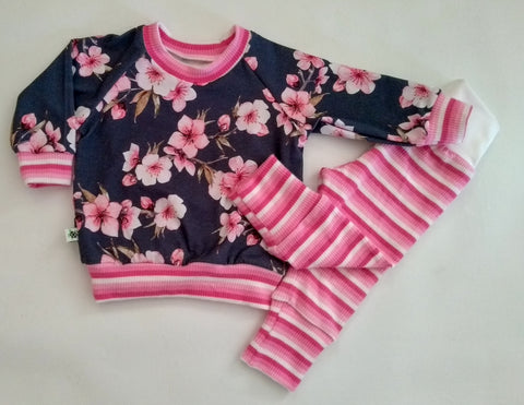 SALE ** Baby Floral Top and Pants Set 3-6m