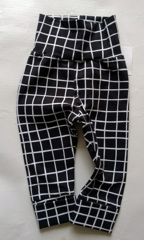 Grow With Me** Black Squares  Size M 3-18m