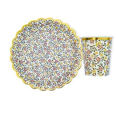 Retro Floral Plates - Miss Decorate