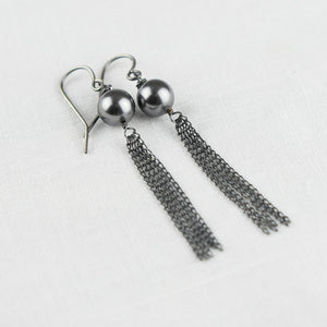 Gray Pearl Patina Chain Silver Earring