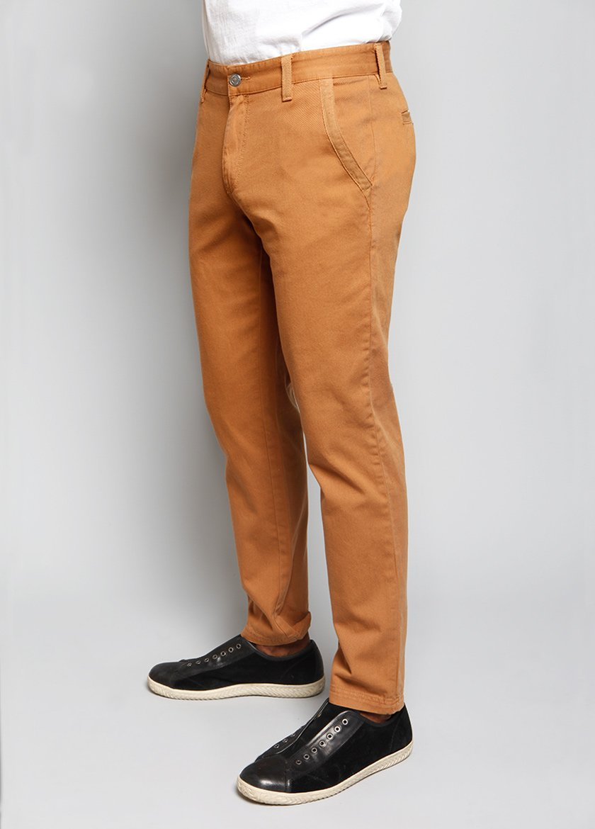 SIDE VIEW OF A STRAIGH LEG MENS PANT IN A TOAST COLOR