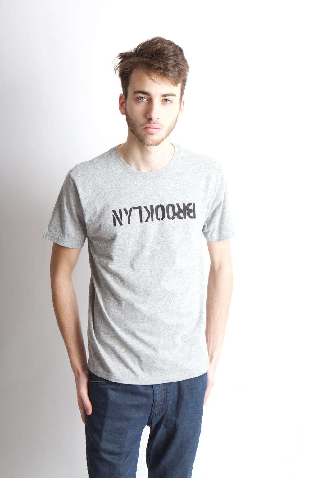 STENCIL FLIPPED GREY BROOKLYN T-SHIRT - BROOKLYN INDUSTRIES