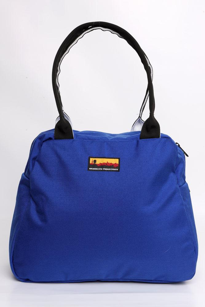MEDIUM BOWLING BAG FRONT VIEW IN BLUE