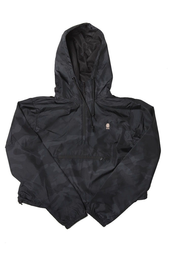 CROPPED WIND BREAKER IN BLACK CAMO  WITH SMALL FRONT POCKET AND WATER TOWER EMBROIDERED ON LEFT CHEST