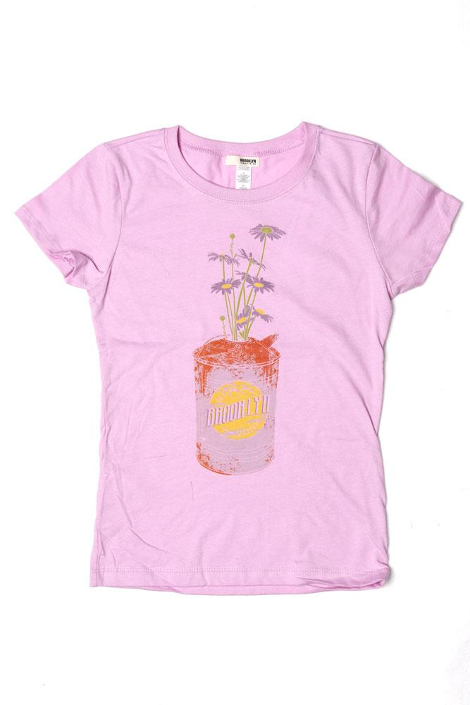 FLAT LAY LILAC YOUTH T-SHIRT WITH DAISY CAN GRAPHIC