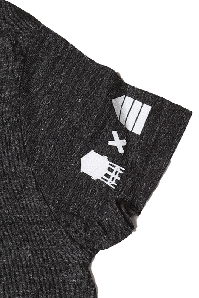 detail of graphic on sleeve