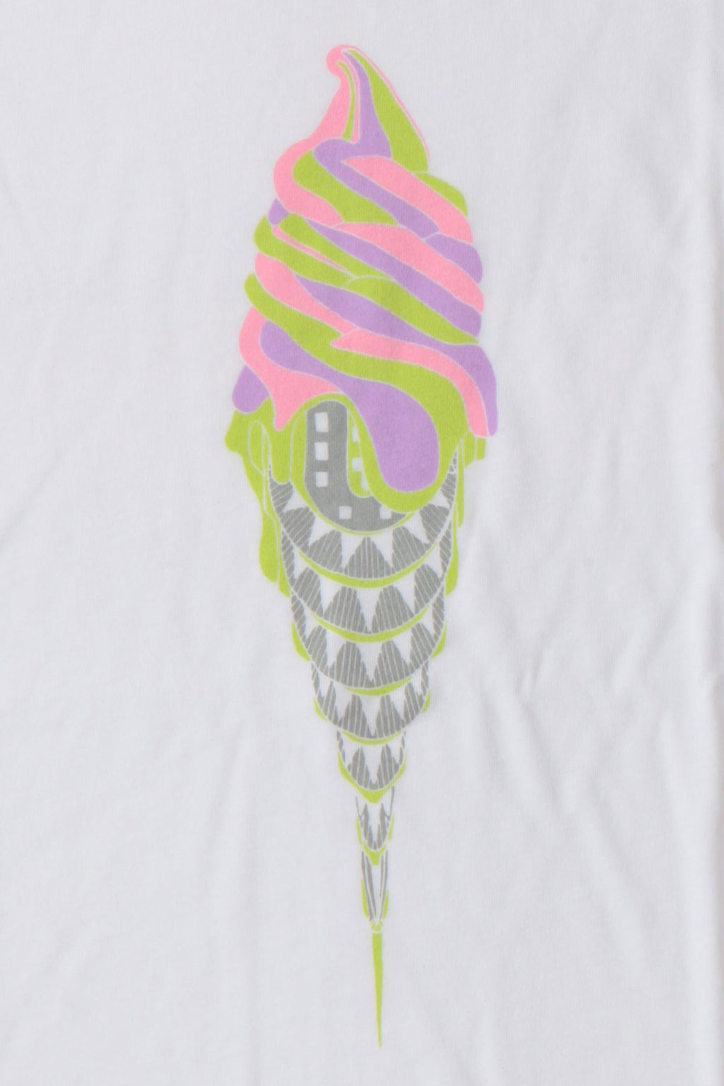 DETAIL OF WHITE TEE WITH ICE CREAM IN A CONE SHAPED LIKE THE CHRYSLER BUILDING.