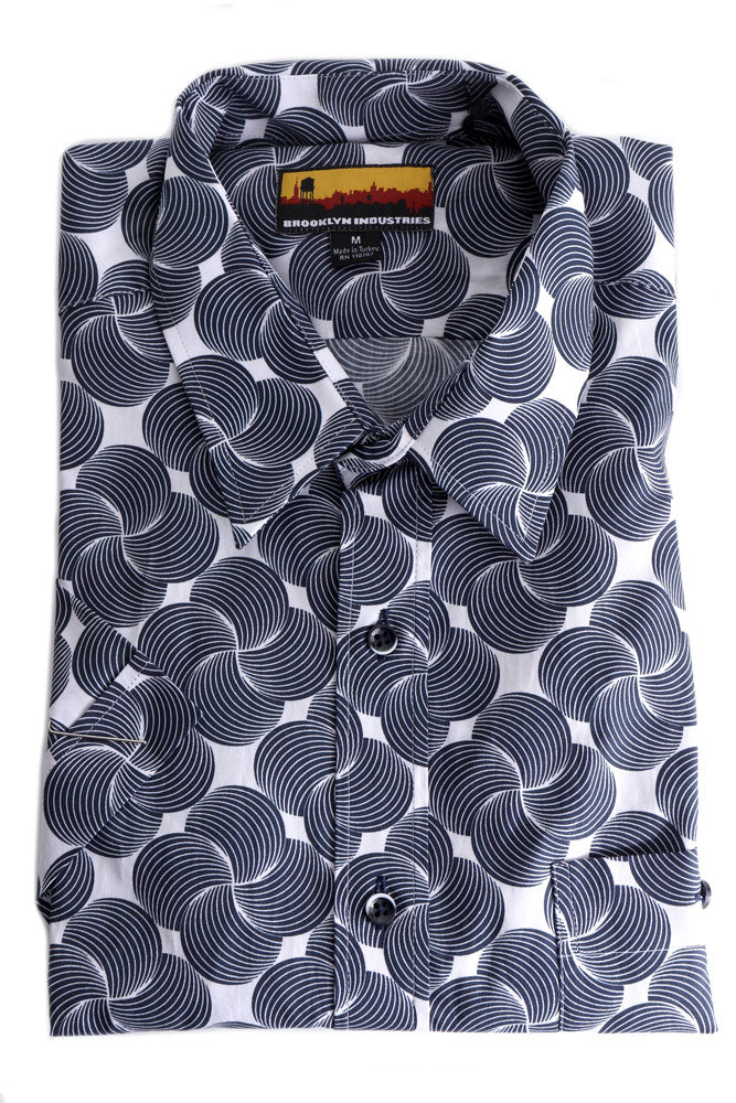 FOLDED KNIT BUTTON UP COLLARED SHIRT WITH VERY GRAPHIC BLUE SWIRLS