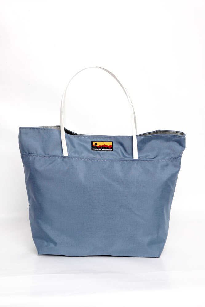 NO 9 TOTE IN LIGHT BLUE WITH WHITE HANDLES