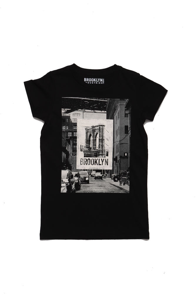 BLACK YOUTH T-SHIRT WITH STREET IMAGE LARGE ON CHEST AND AN IMAGE OF THE BRIDGE IMPOSED ON TOP