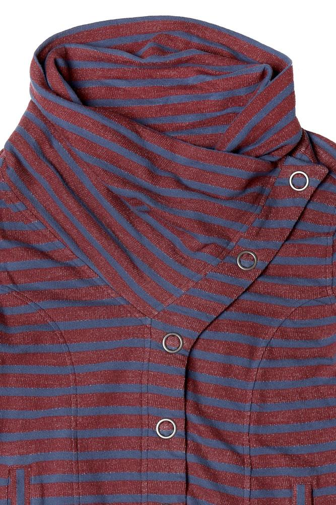 DETAIL OF NECK ON STRIPED WOMEN'S BUTTON UP SWEATSHIRT IN PORT ROYAL